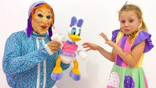 Nastya conhece alguns personagens estranhos, histórias engraçadas para crianças