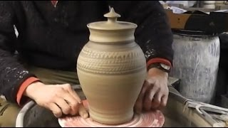 Throwing / Making a clay Pottery Cookie Jar & Lid on the Wheel