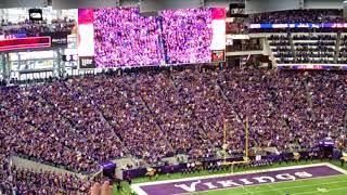 Vikings Skol Chant vs Rams 11/19/17