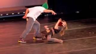 Lindsey Stirling Duet - Live dance