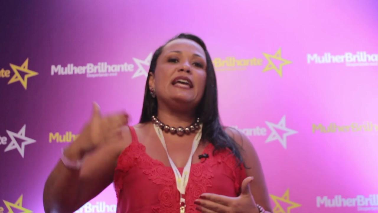 Depoimento Adriana Moreno - Designer de Acessóriosa sobre a Mulher Brilhante