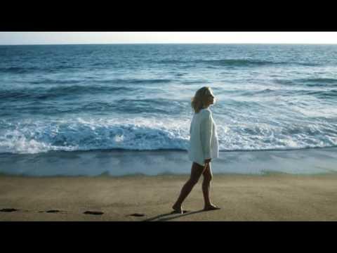 La Mer Blue Heart - Elsa Pataky
