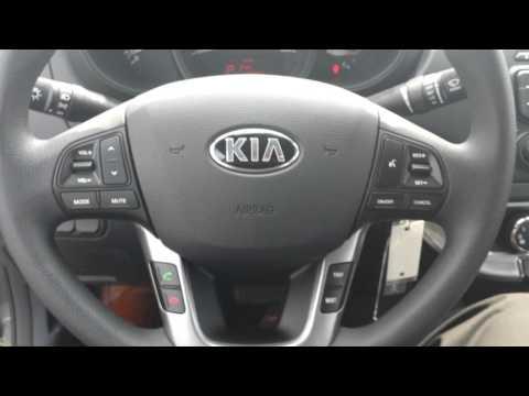 Lindsay's 2014 Rio Sedan LX+ 1.6L walk around video by Shondell of Mississauga KIA