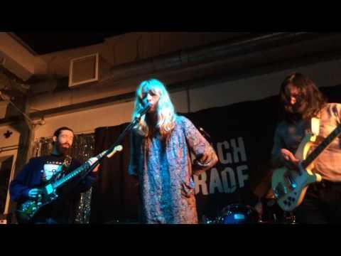 Alexandra Savior - 'Til You're Mine (live premiere) @ Rough Trade, London