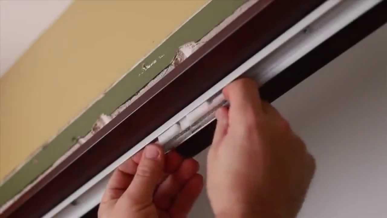 Installation d 39 une porte pliante youtube - Comment reboucher une porte ...