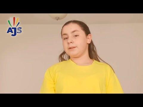 Ana Carolina Espínola Teixeira - 8º Ano B - Instituto Teresa Valsé - Uberlândia-MG