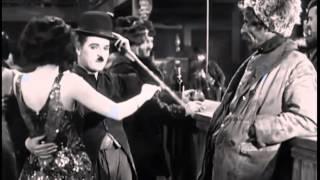 Chaplin bailando