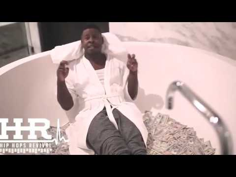Blac Youngsta Does An Interview In A Bathtub Full Of Money!