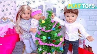 Baby Doll Christmas Tree Decoration in doll bedroom! Play American Girl Dolls House & Bathroom Toys!