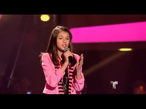 "Martha canta ""Aléjate de mí"" en ""La Voz Kids"""