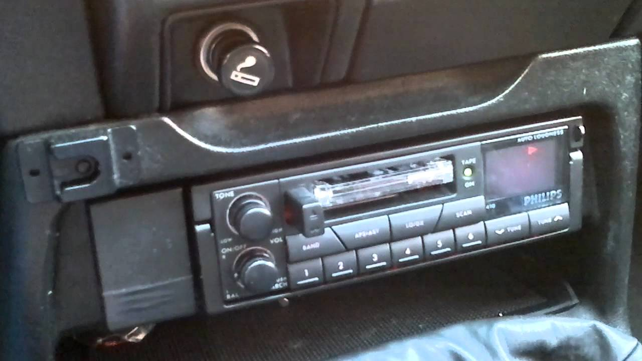 autoradio car stereo philips dc 410 youtube. Black Bedroom Furniture Sets. Home Design Ideas