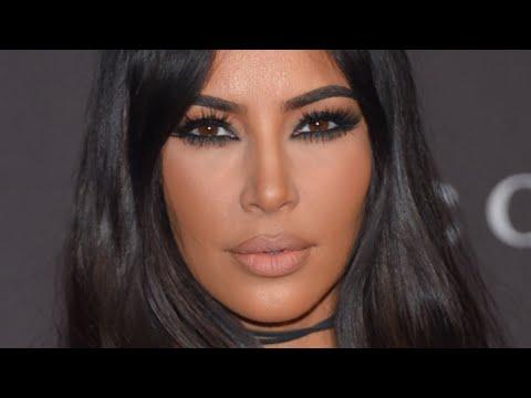 Најконтроверзните модни комбинации на Ким Кардашијан