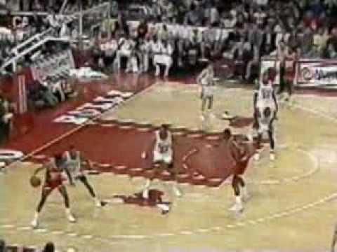 Bulls vs Rockets 1991 - Jordan vs Mad Max ( Battle of bad tempers )