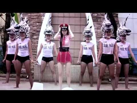 謝金燕-Jeannie Hsieh 接受五月天、趙少康挑戰,參加ALS Ice Bucket Challenge 漸凍人冰桶挑戰活動。