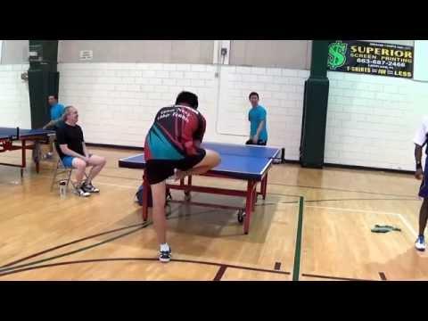 Брутален пинг-понг поен го натера противникот да ја соблече патиката