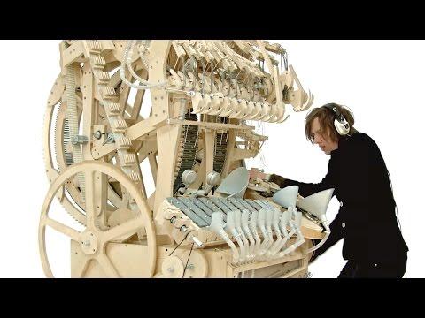 Wintergatan - Marble Machine (strumento musicale che suona con 2000 biglie)