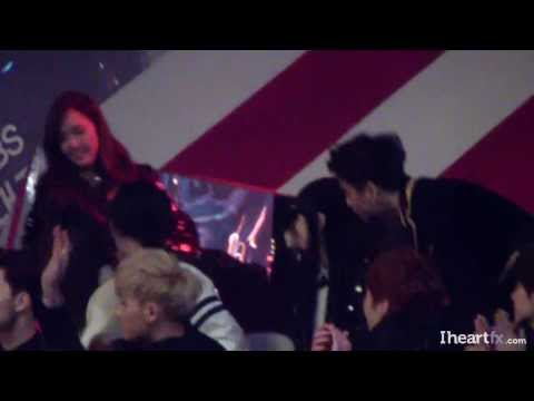 [FANCAM] 131229 f(x) Watching Gayo Daejun