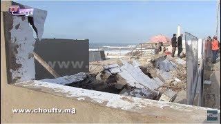بالفيديو..هذه أسباب سقوط سور بمنطقة عين الذئاب بالبيضاء | خبر اليوم