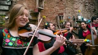 Ensamble Transatlántico De Folk Chileno - Hoppa (ft. Blanche Oguey)