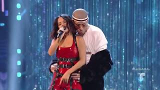 Becky G - Mayores ft. Bad Bunny (Latin American Music Awards) (Live) 2017 HD