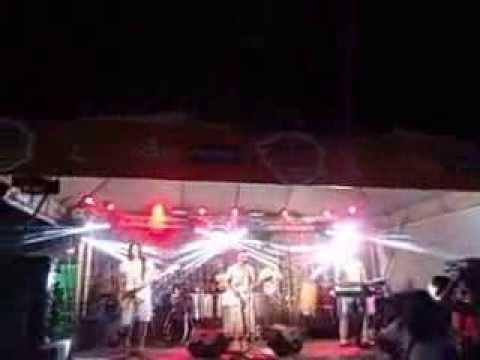 Baixar Banda 5% cantando Agora Chora no Píer Oquei gravado pela Torcida Fissura no dia 07-12-2013