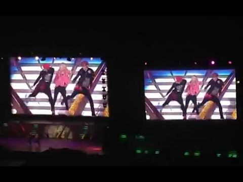 [HD Fancam] 131027 SNSD Hyoyeon with EXO Lay and Kai Dance at SMTown in Tokyo