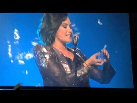 Baixar Demi Lovato - My Love Is Like A Star