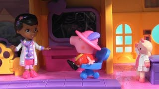 Peppa Pig: Peppa Pig in Doc McStuffins Hospital: Peppa Pig Happy Family and Friends, Doc McStuffins