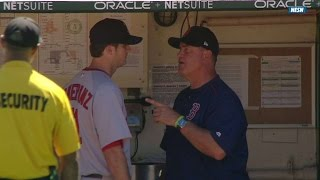 BOS@OAK: Pomeranz and Farrell exchange words