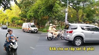 Traffic police escort & force every vehicle give way to special Ambulance convoy to Chợ Rẫy hospital