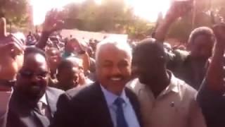 السودان: زفة النائب العام الجديد الى مكتبه، بعد فصل النائب العام ...