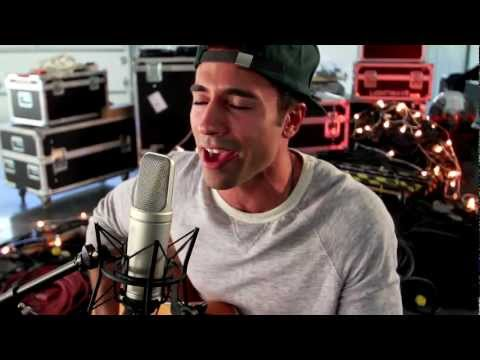 Baixar Don't Wake Me Up - Chris Brown (Cover by Tino Coury)