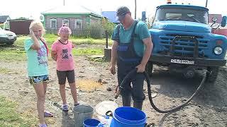 В Исилькуле организован подвоз питьевой воды и там в эти минуты находится Александр Бурков, чтобы лично разобраться в ситуации