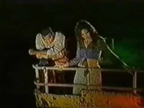 Esmeralda O. y Omar G. - Una hoja en blanco(Editado)