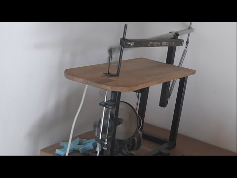 homemade diy jigsaw table with blade guide