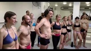 """Noom est très """"hot"""" au cours de Yoga Bikram"""