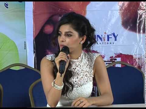 Isha-Talwar-Talks-About-Maine-Pyar-Kiya-Movie
