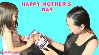 """🍕Bé Peanut Tặng Quà Bất Ngờ Cho Mẹ Nhân Ngày Mother's Day """"Ngày Của Mẹ""""/ Làm Breakfast Pancake"""