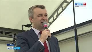 В Омске представили передвижной автоклуб для областных мероприятий