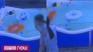Lật phao khi bơi, bé trai 7 tháng nguy kịch   VTC9