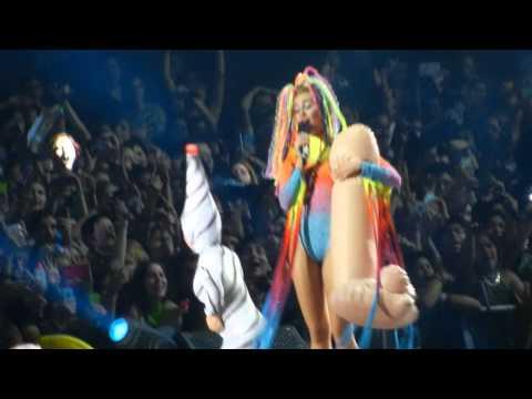 Baixar We Can't Stop - Miley Cyrus (10.01.2014 - Santiago, Chile)
