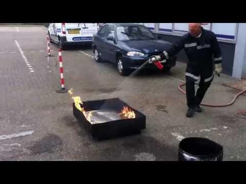 Test Prymos universele brandblusser - vloeistof brand