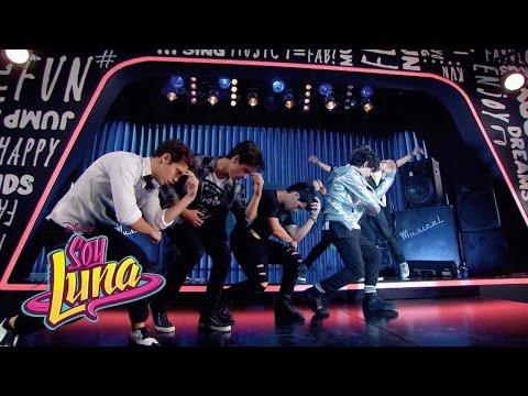 Los chicos cantan I'd Be Crazy | Momento Musical | Soy Luna