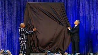 Obama unveils his new portrait
