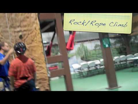 Betances Tours: Ozzy's Fun Center Rock/Rope Climbing