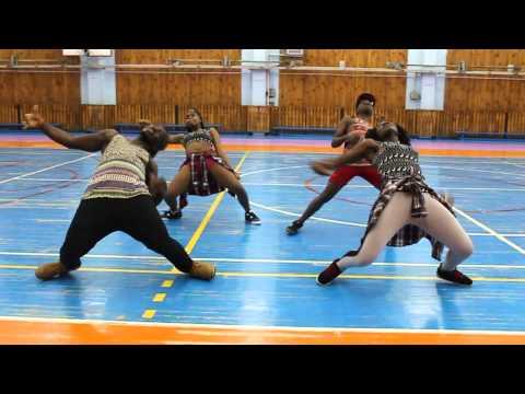 CRAZE DANCERS shake body entry