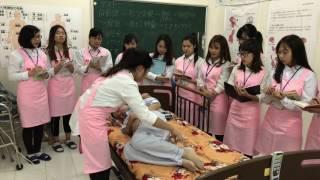 ベッドから車椅子への実技訓練