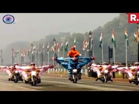 Bike stunts by BSF women contingent at Rajpath