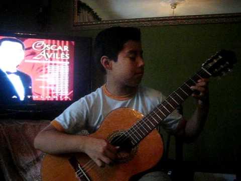 Oscar Aviles Una de las primeras guitarras del mundo