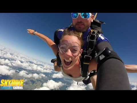video Airlie Beach 14,000ft Skydive